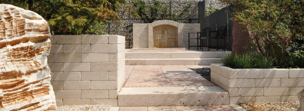 abbellimenti complementari in pietra