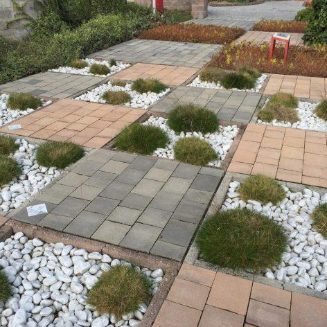decorazione giardino granulati zandobbio