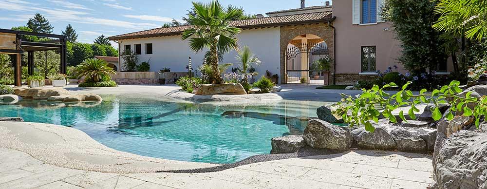 Pavimento in pietra naturale ciottoli e granulati Resort Manerbio Brescia