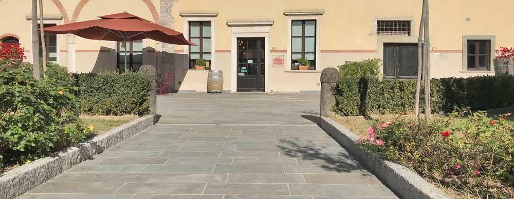 Cortile-Bergamo-pietra-indiana-pavimento-in-pietra-naturale