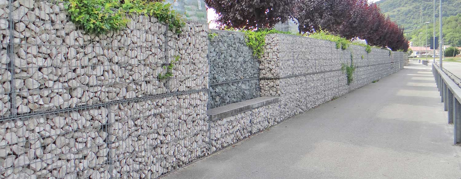 Natural stone box as a company fence